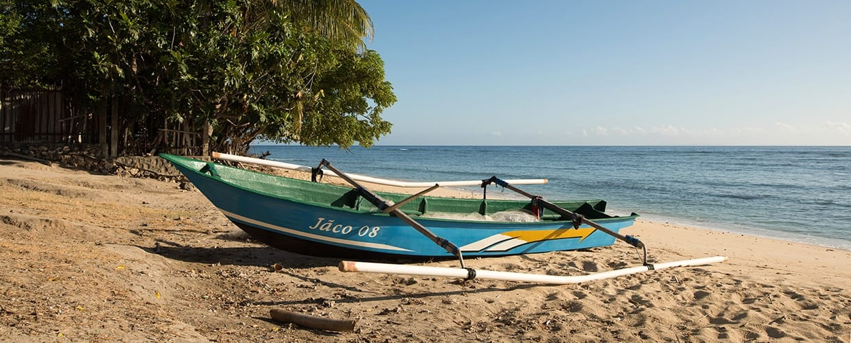 Timor-Leste: Beach, Coast, Nature, Ocean, Outdoors, Sea, Water, Boat, Transportation, Vessel, Watercraft, Canoe, Rowboat, Outrigger, Dinghy, Leisure Activities